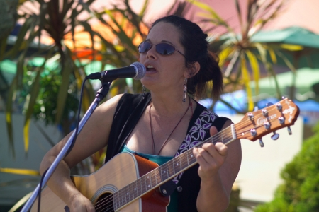 Singer at Bay of Islands Farmers Market - Kerikeri